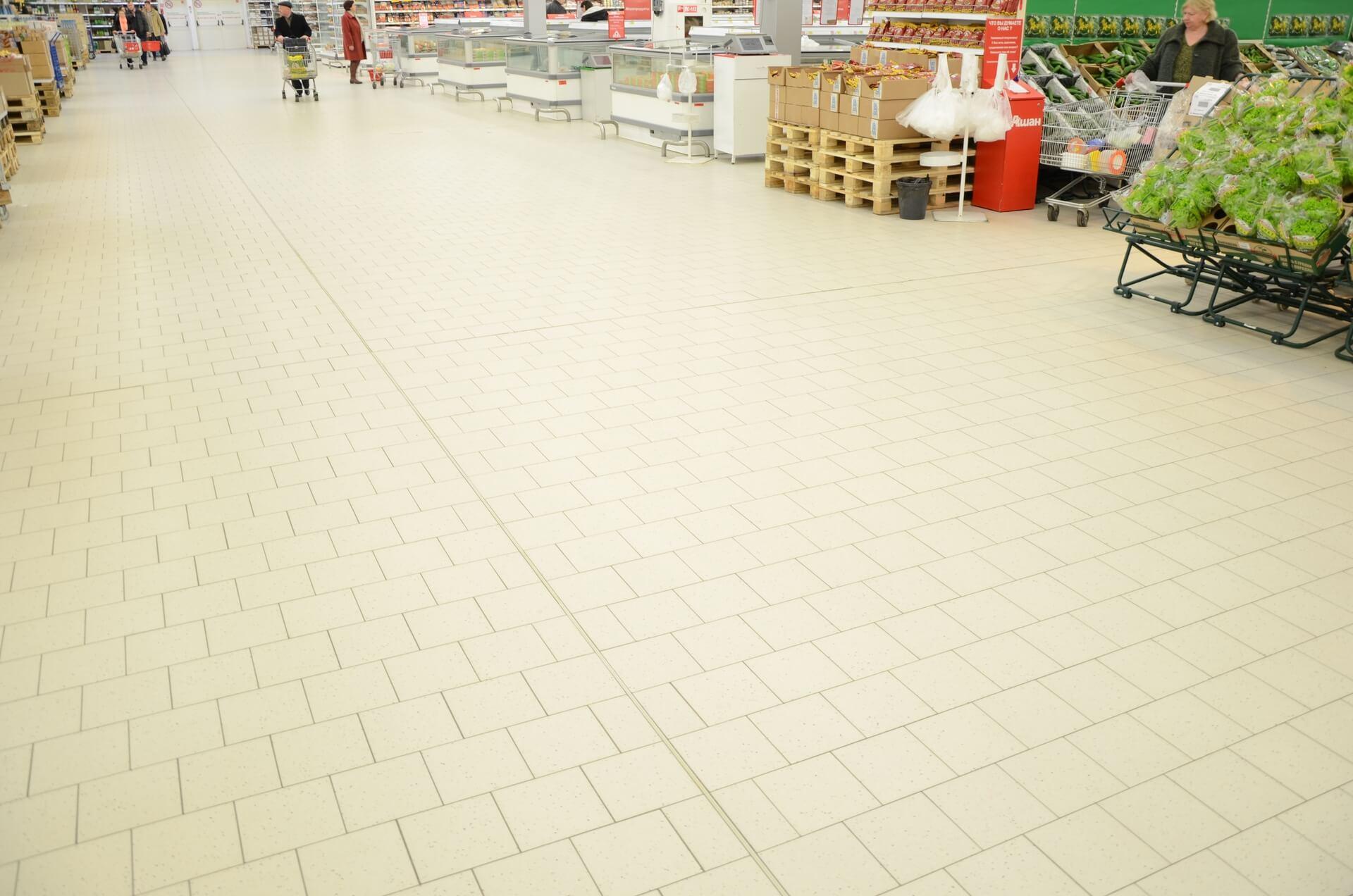 -плитка-в-гипермаркете