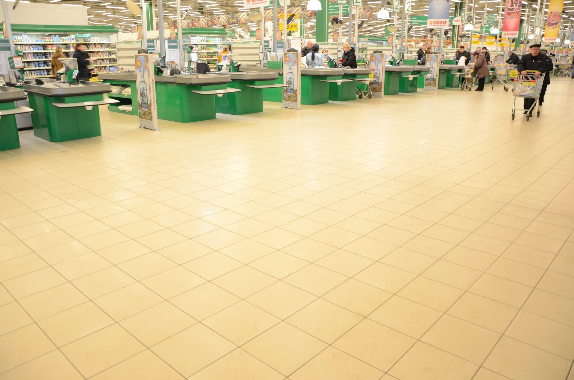 -полы-в-супермаркете