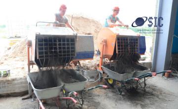 Устройство выравнивающей полусухой песчано-цементной стяжки под финишное покрытие химстойкого промышленного керамического пола